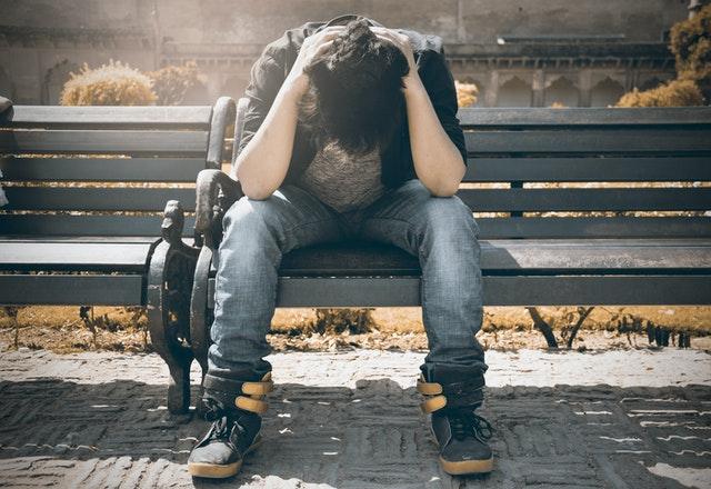 Bahaya Self Diagnosis Terhadap Kesehatan Mental