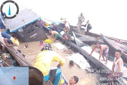 Dihantam Ombak, Kapal berisi Sembako Tenggelam di Perairan Inhil