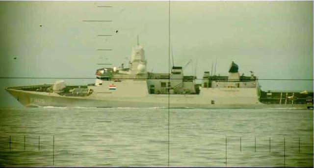 Fragata holandesa durante la Fase de Seguridad haciendo una caída a gran velocidad