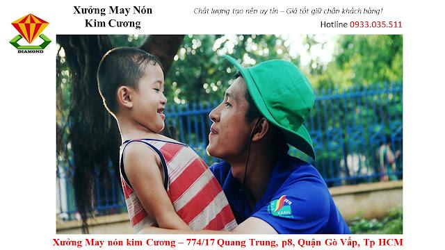 May nón tai bèo số lượng lớn ở Tiền Giang