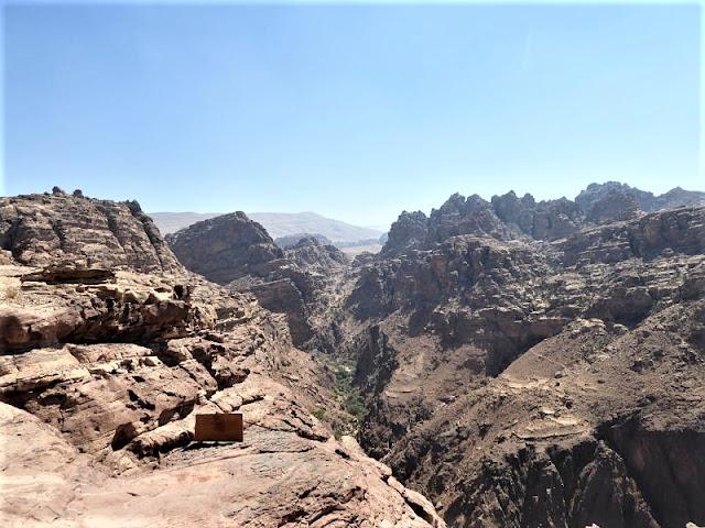 panorama dopo monastero di Petra