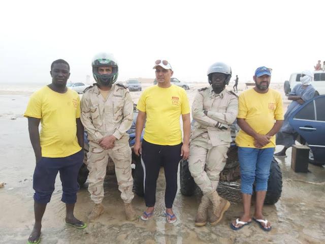 في هذه الأيام الحارة الجمعية الموريتانية للغوص و الانقاذ البحري تواكب المصطافين على شواطئ كبانو...