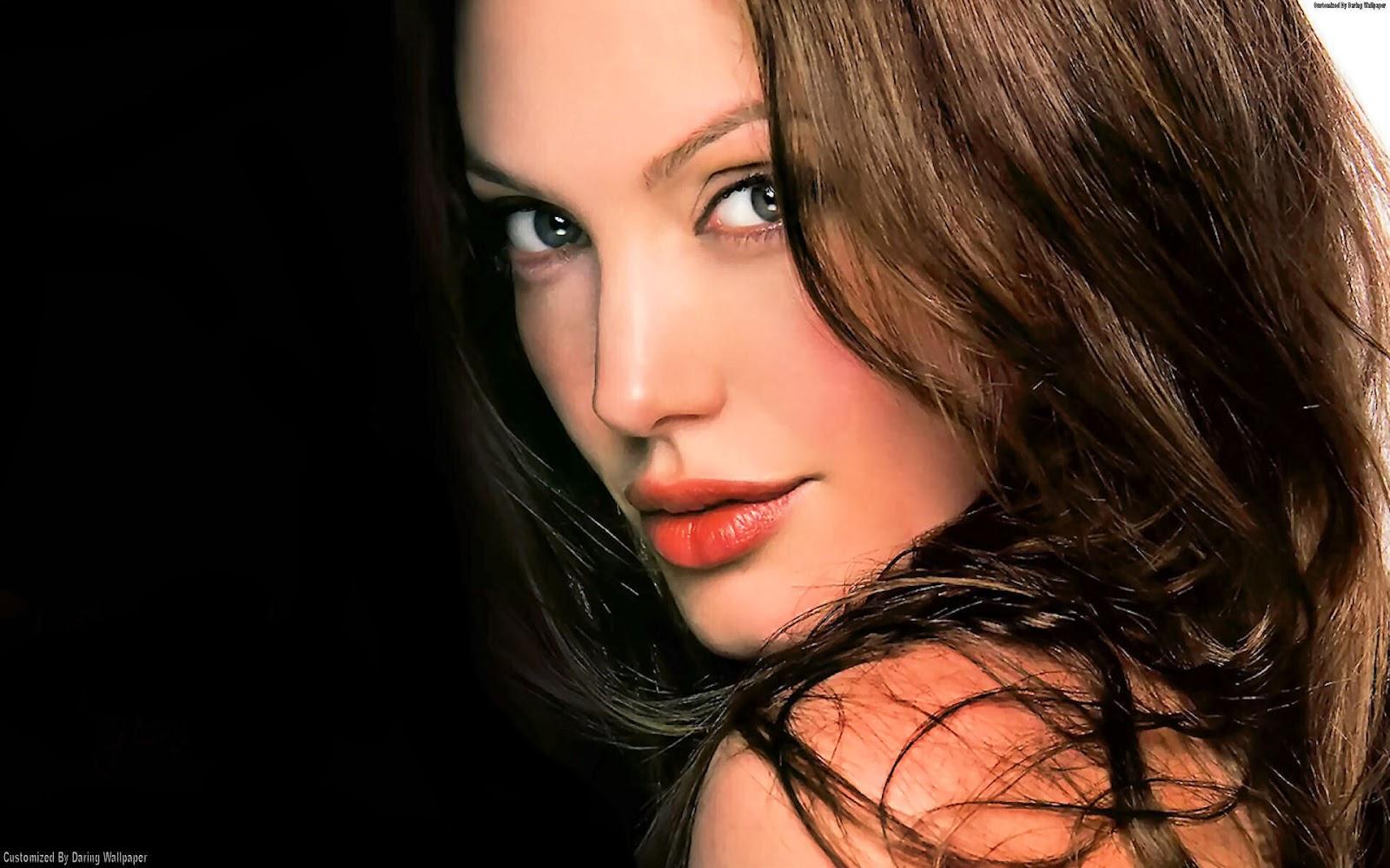 Angelina Jolie: Wallpaper Directory : Hollywood Megastar