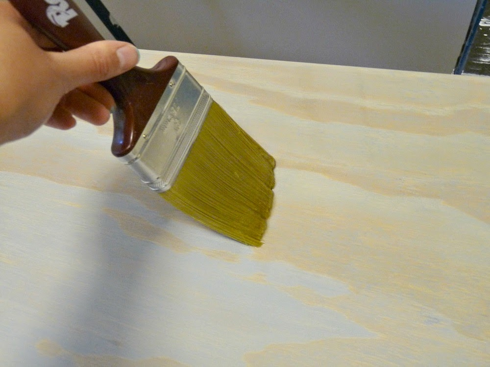 How to apply stain