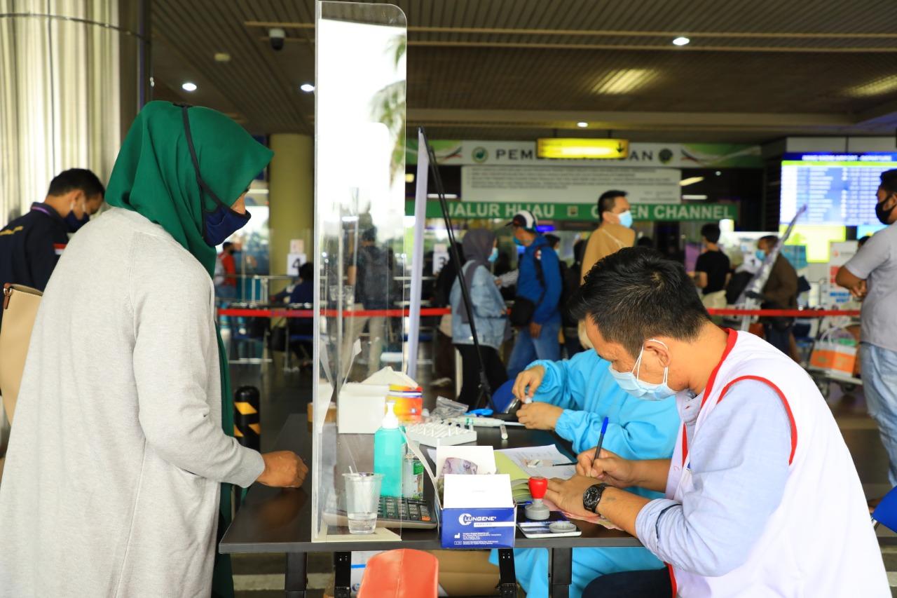 Penumpang Semakin Meningkat, Pelayanan Rapid Test Antigen dan Antibodi di Bandara Hang Nadim Terus Berjalan