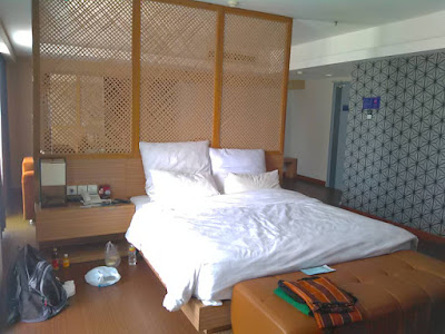 review crown prince hotel surabaya
