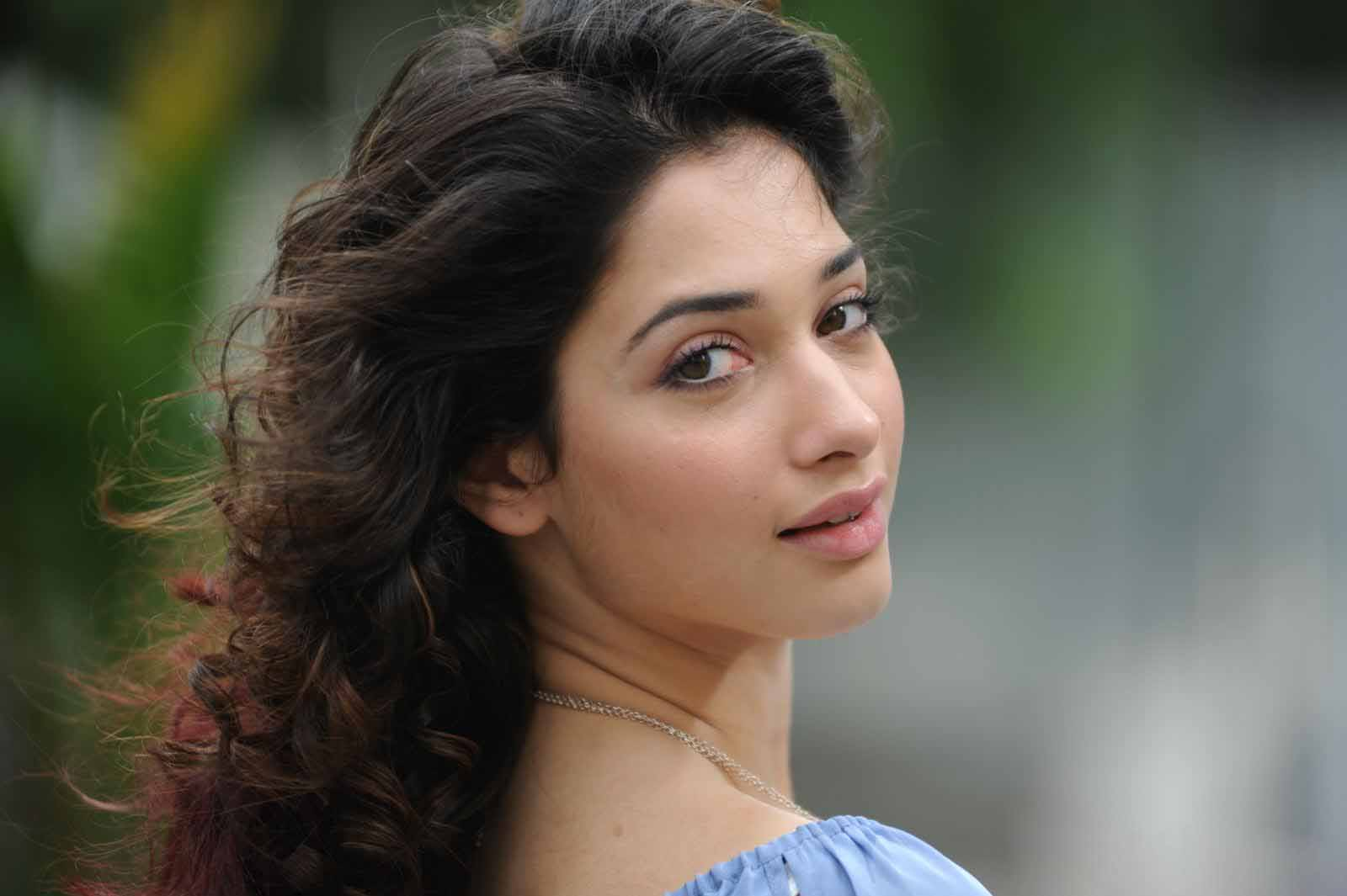 Tamanna Photo Gallery: Wallpaper India: Tamanna Latest Sizzling Hot Photoshoot