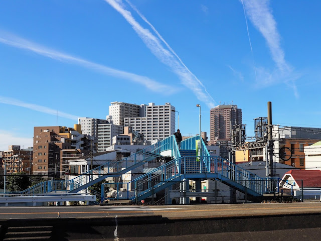 堀切駅と跨線橋