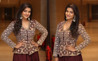Aishwarya Rajesh At  World Famous Lover Telugu Movie Promotion Photos