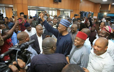 Saraki Receives Triumphant Entry Into National Assembly (Photos)