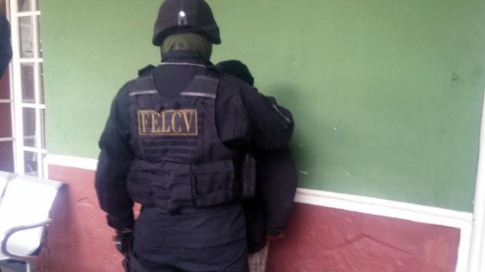 Maestro se desnudó delante de sus alumnos en Padcaya