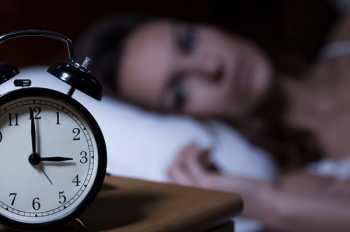 Thường xuyên thức giấc lúc 3-5 giờ sáng có thể là dấu hiệu của sự thức tỉnh tâm linh