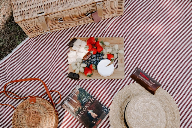 Here's How to Throw an Affordable Picnic in Your Backyard
