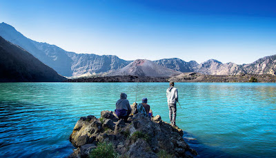 Lake Segara Anak 2000 meter Mount Rinjani