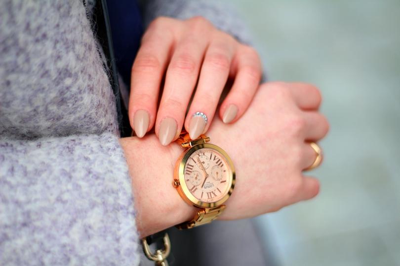 zegarek damski, fashion, skórzana spódnica, chromowane czółenka, szpilki, buty damskie, płaszcz, zara, elegancki,