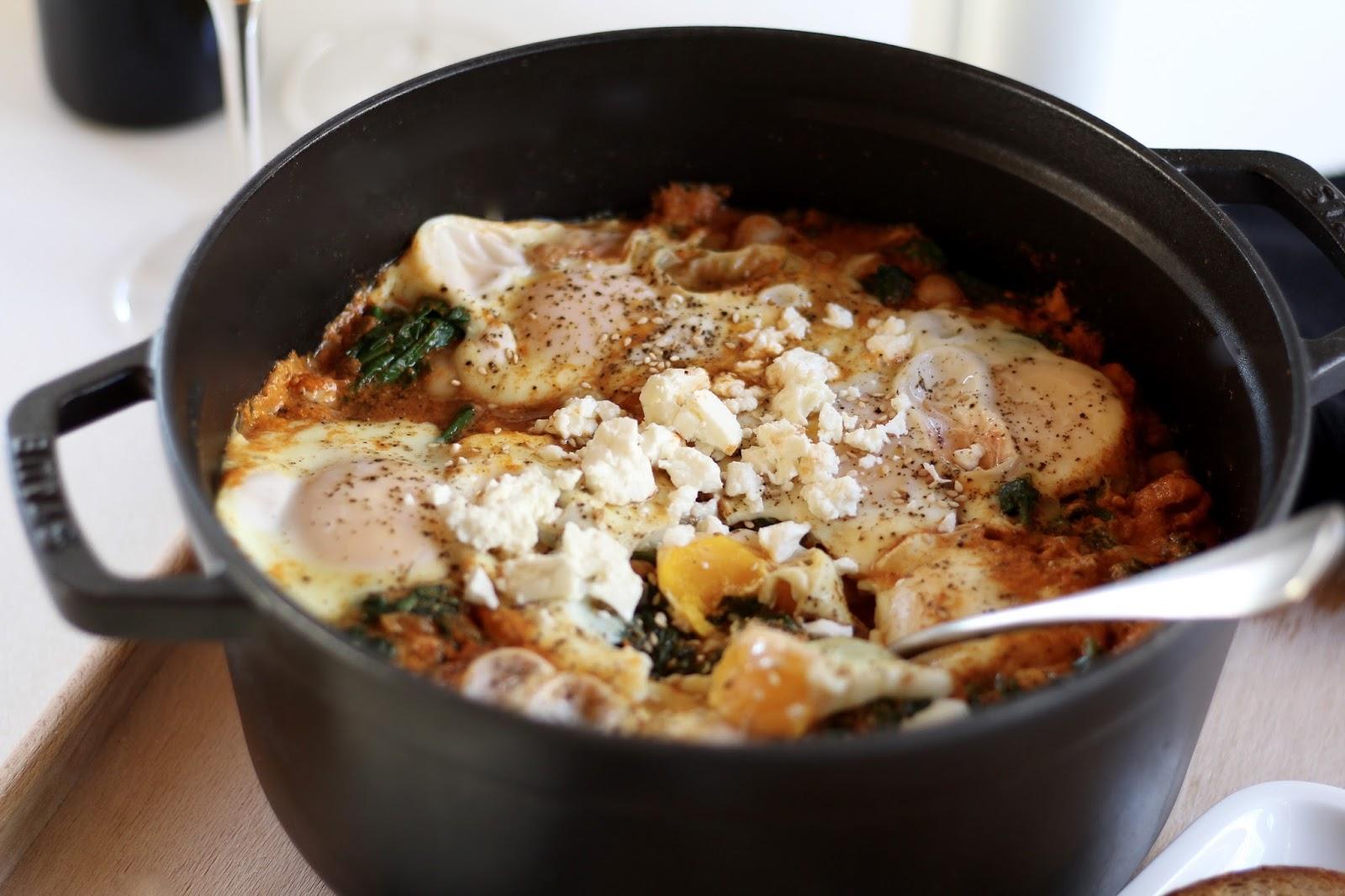 Türkische Spinat-Eier-Pfanne mit Schafskäse
