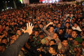 Meriah, Malam Panggung Prajurit Untuk TNI Polri dan Masyarakat Padati Lapangan Sangkareang