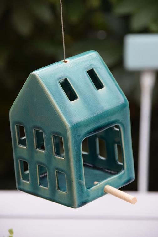 Vogelhaus aus Keramik