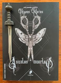 Portada del libro Asuntos de muertos, de Nieves Mories