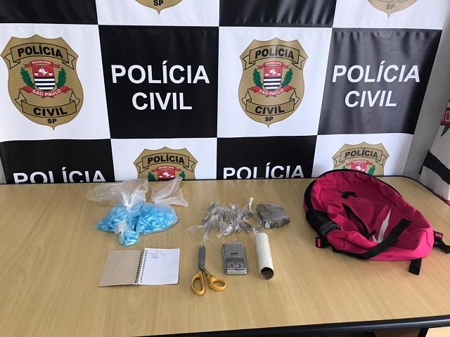 Polícia Civil apreende adolescente comercializando drogas em Registro-SP