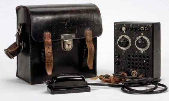 The S 88/5 transmitter of Kieboom & Pons, although  the morse key is different from that in the photo above.  (Imperial War Museum - COM 1501)