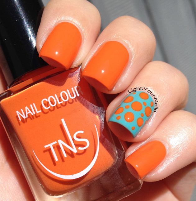 TNS Accent Manicure: Life in Colour + That's Amore dotticure accent