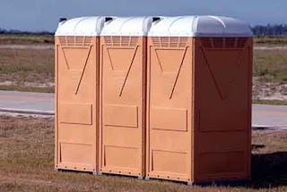 30 Pekerjaan Gampang dan Unik Tapi Gajinya Gede - Sopir Toilet Portable