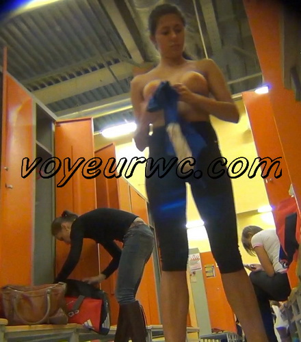 LockerRoom Spy 270-274 (Girls Dress Up in the Locker Room Sporting Club SpyCam)