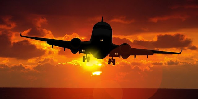 Beginilah Cara Penentuan Waktu Berbuka Puasa Saat Di Pesawat