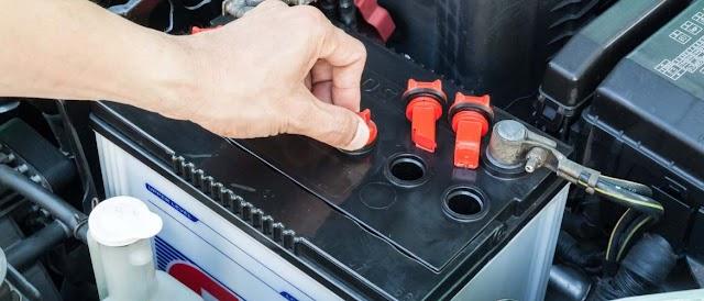 Как восстановить автомобильный аккумулятор содой?