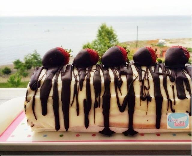 rulo pasta nasıl yapılır ?  çilekli rulo pasta muzlu rulo pasta
