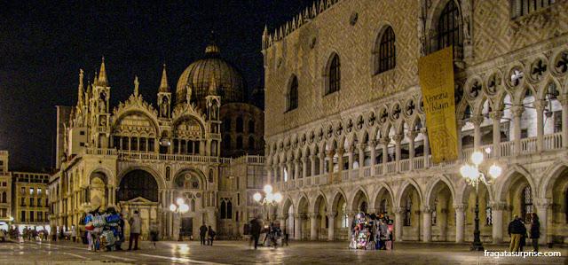 Piazza de San Marco à noite, Veneza