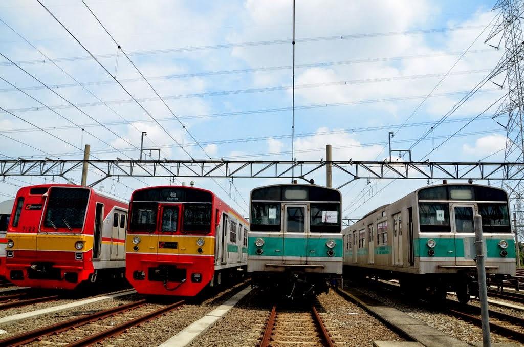 Rangkaian Kereta Rel Listrik Commuter Line