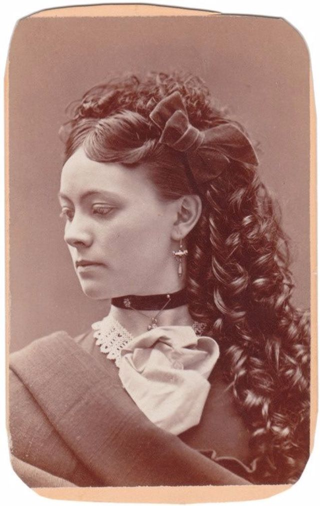 Victorian Women Hairstyles One Of The Most Uncomfortable Fashions Of All Times ~ Vintage Everyday