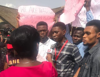 Photos:- Adekunle Ajasin University Students Protests, Say No To Hike In School Fees