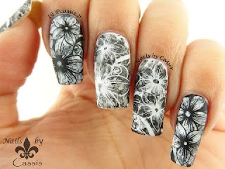 Nails monochrome