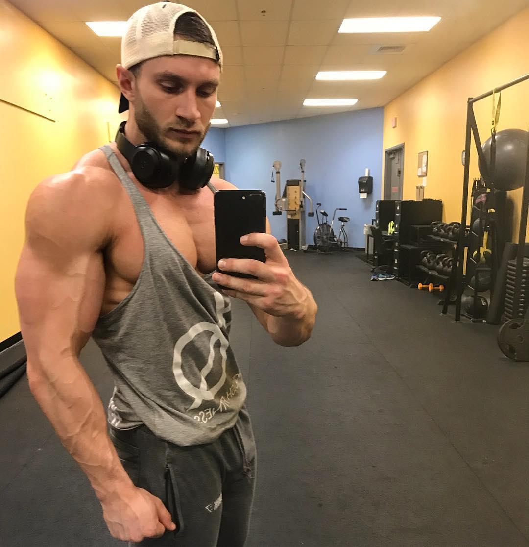 strong-muscular-gym-bad-boy-swole-veiny-biceps-huge-pecs-baseball-cap-selfie