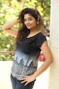 Karuna photos in jeans-thumbnail-3