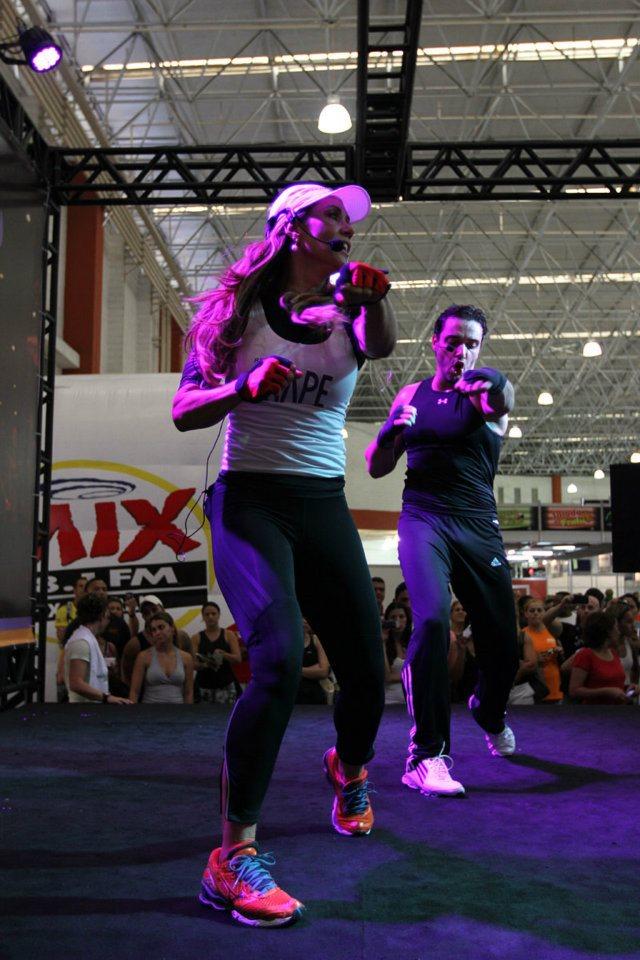 Solange Frazão animou o público durante aula de ginástica