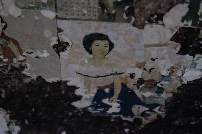 ひとつ石の離れにあるお風呂の建物のお掃除 きれいなお姉さん