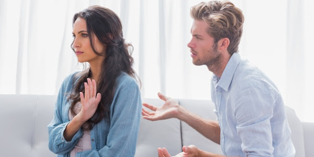 Ketika Pasangan Bertanya Tentang Hal Yang Tidak Disukai Oleh Kita Akan Dirinya?