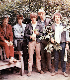 The Easybeats posed circa 1968. The line up includes (from left to right) Gordon Fleet, Dick Diamonde, Stevie Wright, Dick Diamonde, Harry Vanda and George Young