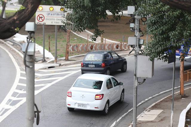 radar, pardal, móvel, móveis, são paulo, ponte, escondido, sinalização, mal sinalizado, bolsonaro, radares, multas, infrações, Radar multa 56% menos após sinalização correto em São Paulo