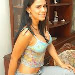 Andrea Rincon, Selena Spice Galeria 34 : Blue Jean Y Blusa Con Flores Foto 8