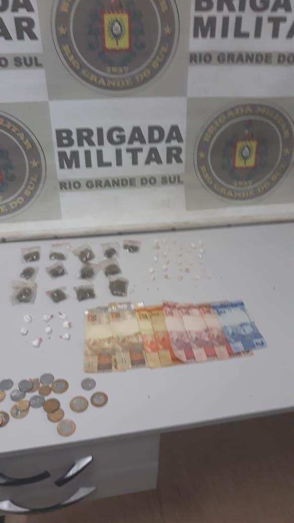 Brigada Militar prende dupla de traficantes no bairro Tom Jobim em Gravataí