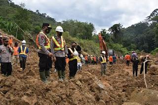 Kapolda Sumut, Gubsu dan Pangdam I/BB Tinjau Lokasi Longsor di Tapsel, 5 Korban Sudah Dievakuasi
