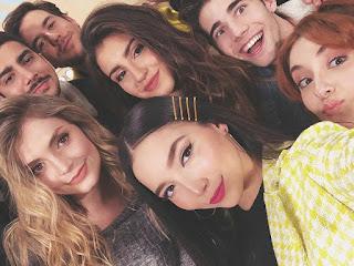 Foto: elenco de Disney Bia reunido