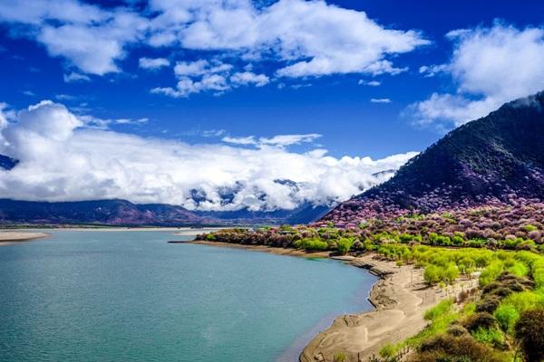 ยาร์ลุงซางโปแกรนด์แคนยอน (Yarlung Zangbo Grand Canyon: แกรนด์แคนยอนหยาหลู่จ้างปู้: 雅鲁藏布大峡谷)
