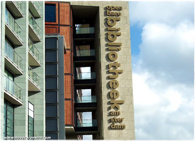 Biblioteca Pública de Amsterdam, por novocaroneiro.com