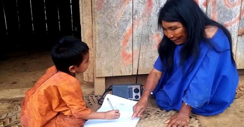 MINEDU: Más de un millón 200 mil niños y jóvenes estudian en su lengua originaria